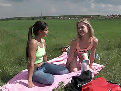 Open-air lesbian sex is unforgettable withstand for Alecia Fox