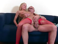 Senior male deep fucks comme ci wife and cums on the brush face