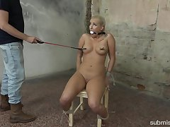 Torture session with curvy amateur chick Daisy Lee and a dominant coxcomb