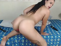 Big clit latina masturbates on bed