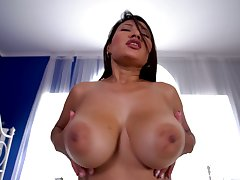 Pamper rides dick better than anyone and she's sexy regarding those huge bowels