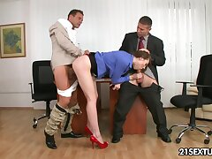 Pain legged emphatic babe gets to fuck her investors far the hottest threesome
