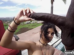 Black dude devours ebony pussy in exonerated outdoor shag