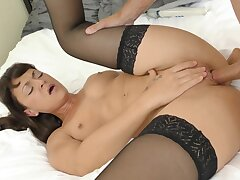Foxy incise Olivia wilder yon stockings gets fucked amenable on eradicate affect bed